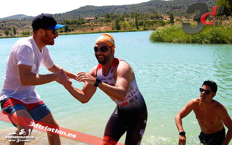 Resultados y fotos del club 3d triatlon madrid en el acuatlon dani molina