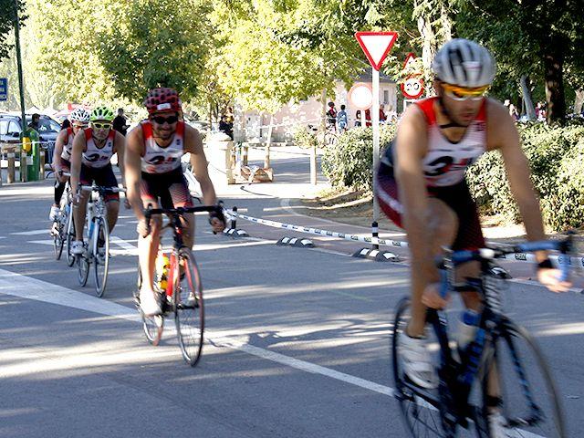 Club 3d Triatlón Madrid y entrenamiento de triatlón en Triatlón Crono Por equipos