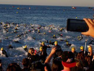 Entrenamiento de triatlon en aguas abiertas, contacto