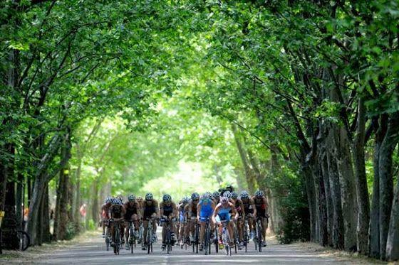 conducta dentro del peloton ciclista en un triatlón